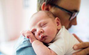 Crean el primer seguro de dependencias para recién nacidos