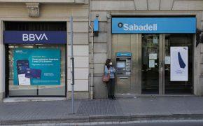 BBVA y Sabadell deberán decantarse por Allianz o Zúrich